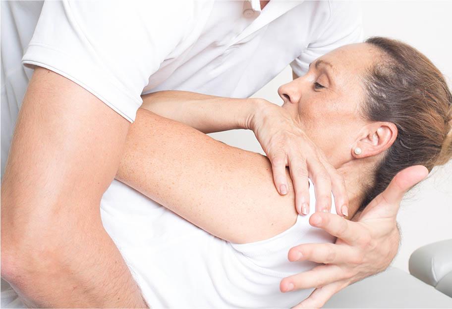 Osthéopathe en pratique au CEESO
